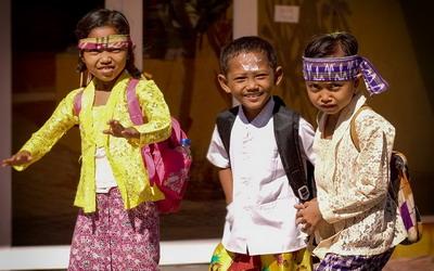 Anak Butuh Sekolah Bukan Menikah