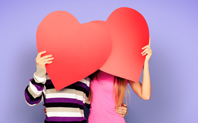 7 Tanda Pria Mencintai Kita Tanpa Kata-kata