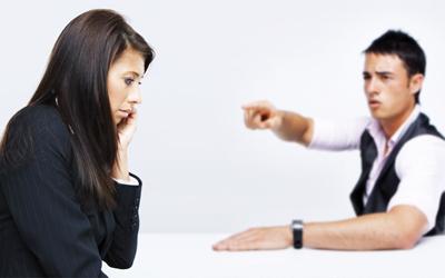 Duh, Pasangan Suka Membandingkan Anda dengan Sahabat Wanitanya