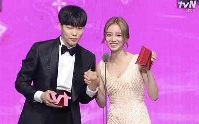 Reuni Ryu Jun-yeol, Hyeri, dan Bintang Serial Reply Lainnya di tvN10 Awards