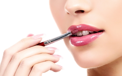 4 Trik Sederhana Cegah Bibir Kering Setelah Pakai Lipstik