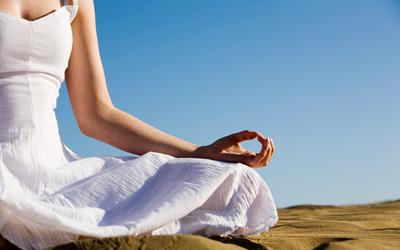 5 Postur Menantang Bikram Yoga