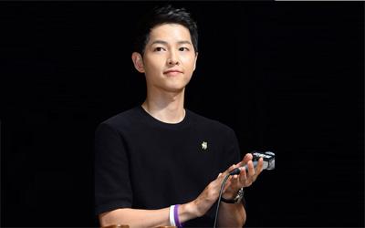 Celetukan Song Joong-ki Tentang Calon Istri Ketika Mempromosikan Film Terbarunya, Battleship Island