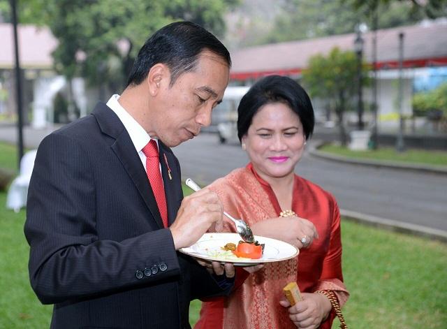 Membanggakan! Sepuluh Pemasak Ikan Terhebat Masak untuk Jokowi!