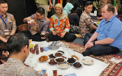 Sensasi Bersantap Bajamba, Tradisi Leluhur Minang
