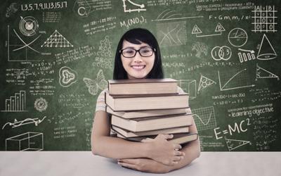 Lahan Karier Subur untuk Wanita di Industri Sains, Teknologi, Engineering, dan Matematika (STEM)
