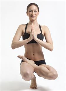 Alasan Yoga Harus Pakai Baju Seksi