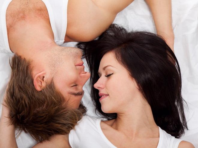 5 Hal yang Terjadi Pada Tubuh Saat Ciuman