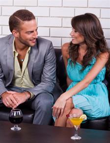 5 Cara Kirim Sinyal Cinta kepada Pria