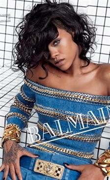 Rihanna Wajah Terbaru Balmain