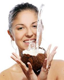 5 Manfaat Air Kelapa Untuk Kecantikan