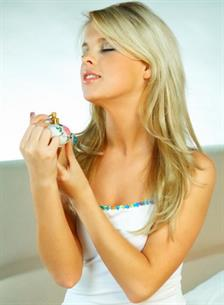 5 Tip agar Aroma Parfum Tahan Lama
