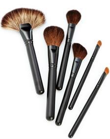 5 Tip Membuat Kuas Makeup Awet