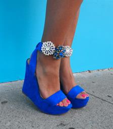 4 Ways To Remake Your Old Shoes