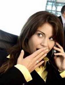 Stop Jadi Ratu Gosip di Kantor