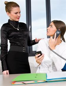 5 Cara Menghadapi Bos Pembully