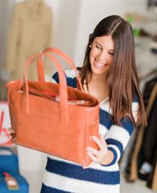 5 Cara Mencegah Bangkrut Saat Liburan