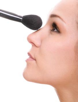 Tip Hidung Mancung dengan Makeup