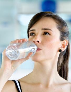 5 Cara Menikmati Air Putih