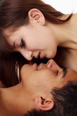4 Arti Ciuman Si Dia