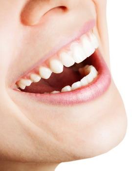 Tutorial Membuat Efek Bibir Tipis Kemerahan