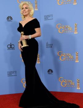 Lady Gaga Bersinar di Golden Globe 2016