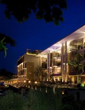 Bersantai di Anantara Seminyak Resort & Spa
