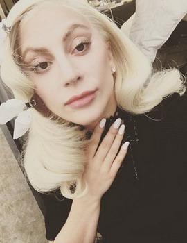 Masuk Nominasi Golden Globe Awards 2016, Lady Gaga Minta Maaf